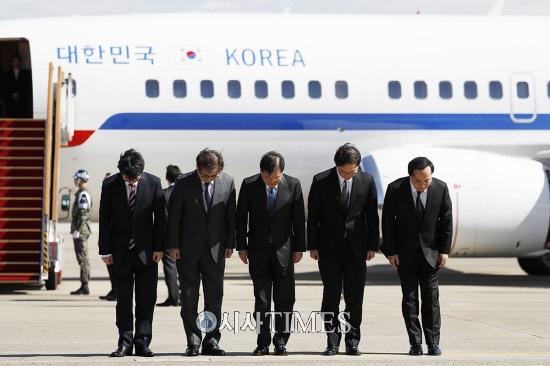 대북특사단, 文 대통령 친서 들고 평양으로 출발