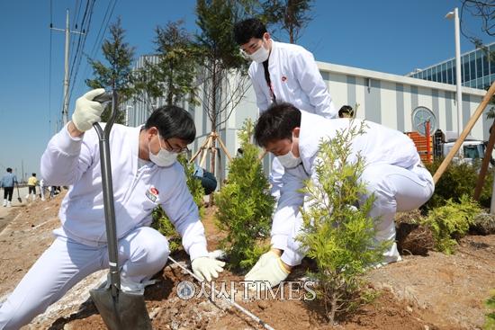 하림, 식목일 나무심기 행사 가져… ESG 경영 '박차'
